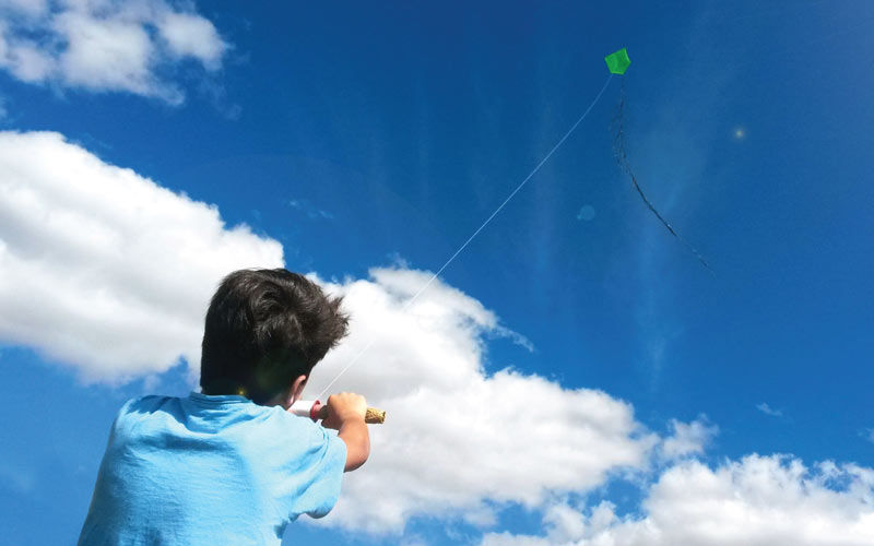 cloud-sky-sunlight-kid-kite-blue-649245-pxhere