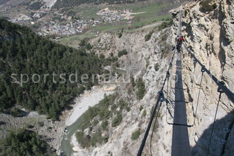 via-ferrata-010-tous-droits-reserves-mathieu-morverand-phototheque-sportsdenature.gouv.fr